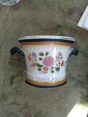 Vintage ceramic flower pot for Sale in Castro Valley, CA