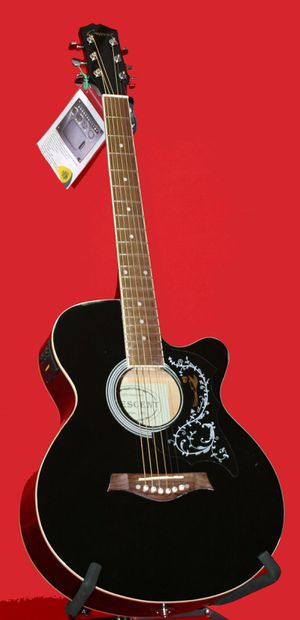 Crescent YMG-BK Acoustic Electric Cutaway Guitar With Case for Sale in Moreno Valley, CA