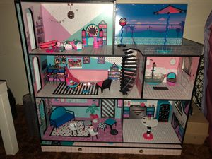 LOL doll house mansion for Sale in Oregon City, OR