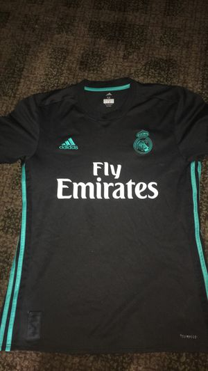 Authentic Real Madrid jersey size m CASH ONLY for Sale in Sterling, VA
