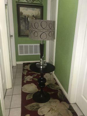 Side table with lamp for Sale in Dallas, TX