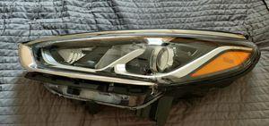 Hyundai Sonata 2018 left headlight. for Sale in Bayonne, NJ