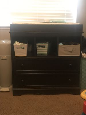 4 in 1 CRIB & CHANGING table with Dresser SET for Sale in Victorville, CA