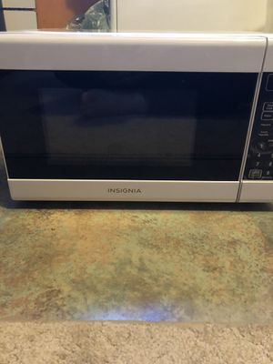 Insignia microwave for Sale in Queens, NY
