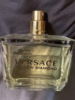 NEW Women's Versace Yellow Diamond 3.4 Fl Oz for Sale in Swansea,  IL