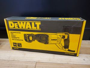 Dewalt DWE305 12Amp Flush Cut 4-position Reciprocating Saw for Sale in Framingham, MA