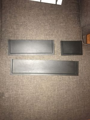 3pc wall shelves. for Sale in Hesperia, CA