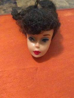 VINTAGE #3 OR #4 BRUNETTE PONYTAIL BARBIE HEAD for Sale in Cuyahoga Heights,  OH