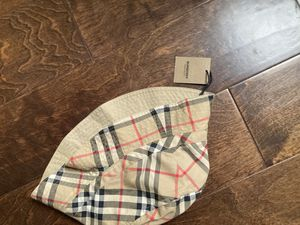Burberry bucket hat (small) (negotiable) for Sale in Los Angeles, CA