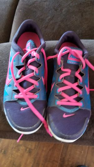 Women Nike shoes size 6 1/2 for Sale in Hacienda Heights, CA
