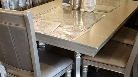 Brand New Silver/Glass Dining Set (66×42×30 Table) for Sale in San Diego,  CA