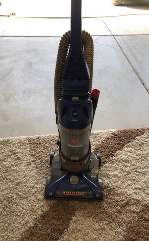 Hoover vacuum for Sale in Beaumont, CA