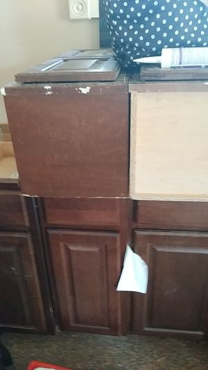Kitchen cabinets and bathroom two for Sale in Detroit, MI