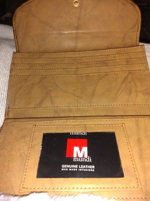 Mundi Genuine Leather Women's Wallet for Sale in Port Arthur, TX