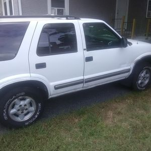 1999 chevy blazer for Sale in Ware, MA