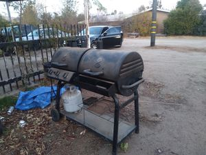Smoker n burner with tank for Sale in Moreno Valley, CA