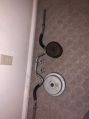 Curl bar plus two 10lb and six 5lb weights *Read Description* for Sale in Fresno, CA