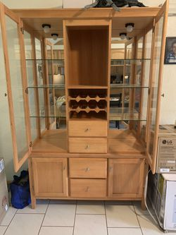 Dining room hutch for Sale in Irwin,  PA