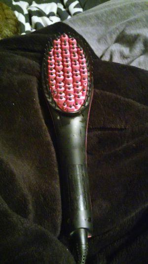 Hair straightener brush for Sale in Penndel, PA