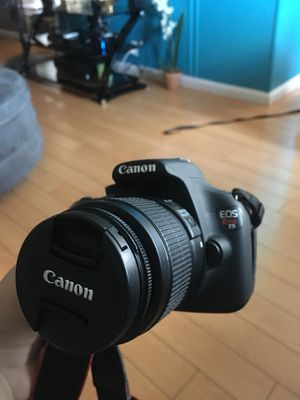 Canon Rebel T5 with case, charger and extra lense for Sale in Pittsburg, CA