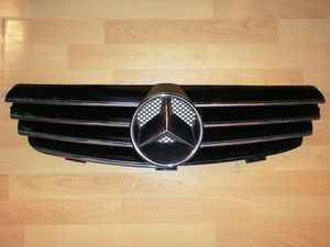 Mercedes Benz Grill for Sale in Riverside, CA
