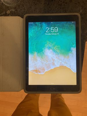 AT&T Space Gray iPad 5th generation w/ case for Sale in Atlanta, GA