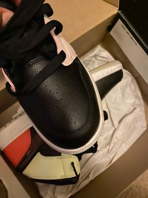 Jordan 1 mid glow size 7y for Sale in Chicago, IL