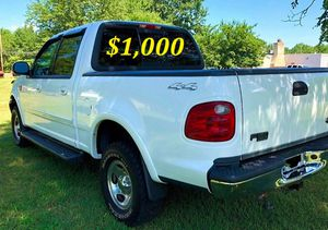 🟢💲1,OOO For sale URGENTLY this Beautiful💚2002 Ford F150 nice Family truck XLT Super Crew Cab 4-Door Runs and drives very smooth V8🟢 for Sale in Aurora, IL