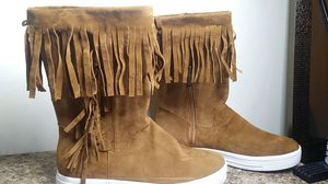 Dollhouse fringe boot, sx 7.5 for Sale in Charleroi, PA