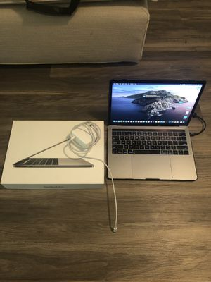 macbook pro 2017 i5 3.1 ghz 256gb 8gb ram for Sale in Los Angeles, CA