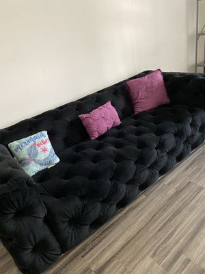 BLACK SOFA for Sale in Los Angeles, CA