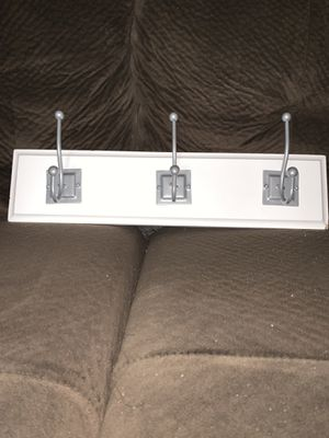 Towel hook and mirror for Sale in Tallahassee, FL