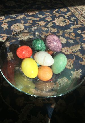 Marbled Alabaster Eggs Set of 10 for Sale in Leavenworth, WA