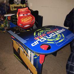 Child's Desk for Sale in Fresno,  CA