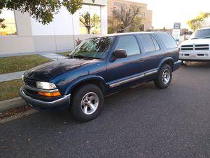 Chevy blazer año 2000 título limpio la cambio por carro o troca estándar for Sale in Long Beach, CA