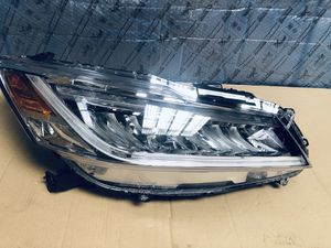 2013 2017 HONDA ACCORD TOURING RH PASSENGER LED HEADLIGHT OEM for Sale in Los Angeles, CA