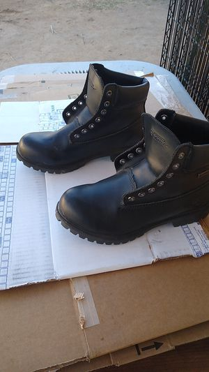 boots water proof ,for work for Sale in Moreno Valley, CA