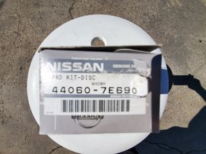 INFINITI/NISSAN Rear Brake Pads for G20, I30, ALTIMA, MAXIMA, SENTRA, STANZA for Sale in Los Angeles, CA