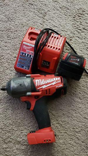 Drill de impacto Milwaukee 1/2 square ring poco uso, con cargador y bateria for Sale in Gaithersburg, MD