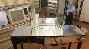 Mirror vanity for Sale in Detroit, MI
