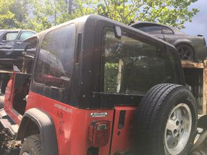 1993 Jeep hard top etc for Sale in Mentor, OH