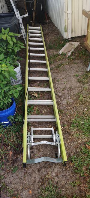 28 ft fiber glass ladder for Sale in Alafaya, FL
