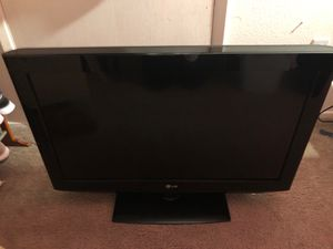 LG tv 32 inches for Sale in Bellevue, WA