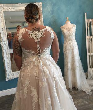 Wedding dress NEVER WORN for Sale in Wahneta, FL