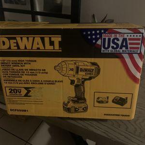 Dewalt Xr 20v 1/2 Impact Gun Kit for Sale in Los Angeles, CA