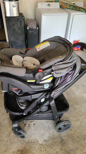 Car seat and stroller Graco for Sale in Galt, CA