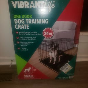 Small Dog Crate w/dog bed/pillow for Sale in Clinton, MD