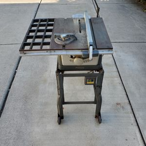 Vintage Table saw for Sale in Derby, NY