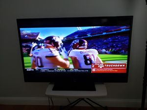 """60"""" inch TV for Sale in Columbus, OH"""