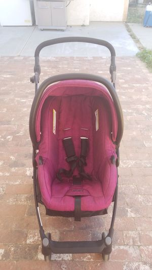 Stroller with car seat, base and bassinet for Sale in Hemet, CA